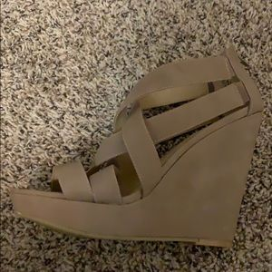 Size 10 Taupe Chinese Laundry wedges. Never worn.